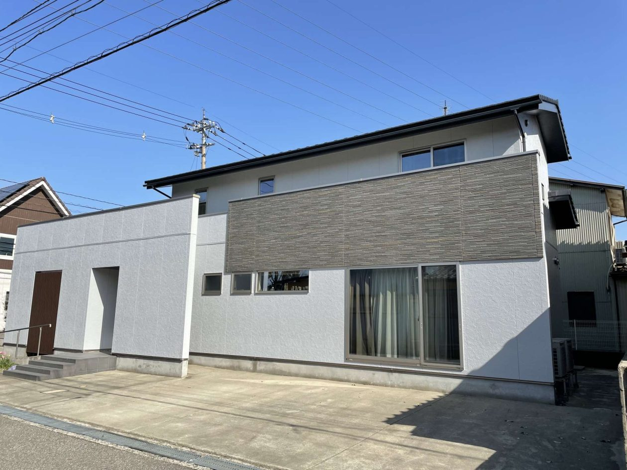 石川県金沢市/洋風戸建ての外壁塗り替え(グレー シリコン系)