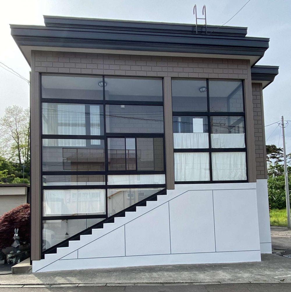北海道余市郡余市町/洋風戸建ての外壁塗り替え(ブラウン フッソ系)・屋根塗り替え(グレー フッソ系)
