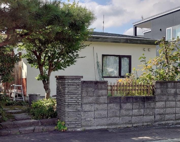 北海道札幌市東区/洋風戸建ての屋根塗り替え(グリーン フッソ系)